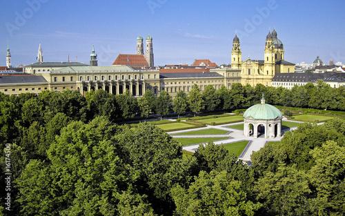 Fototapeta premium Hofgarten - Residenz - Kościół Teatynów w Monachium
