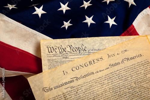 Canvas-taulu American historic documents on a flag