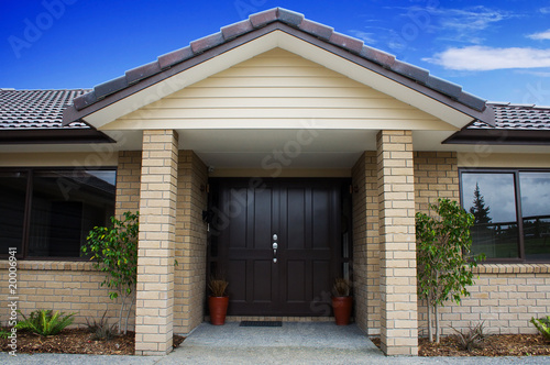Photo Modern House Front Entrance