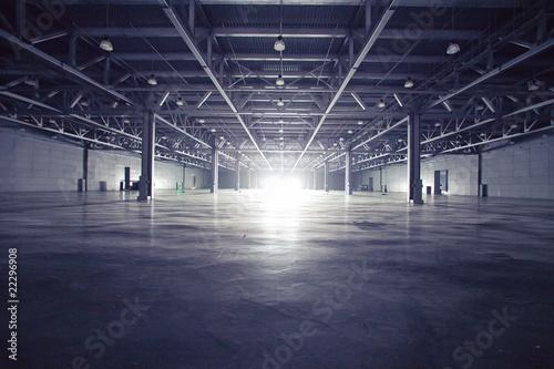 Obraz na płótnie Dark storehouse