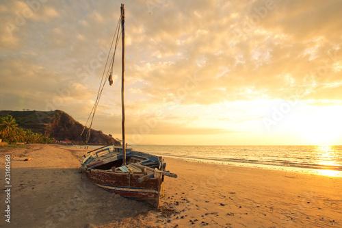Obraz na plátně épave sur la plage