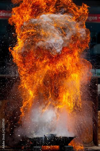 Explosion mit Feuer und Flammen Fototapet
