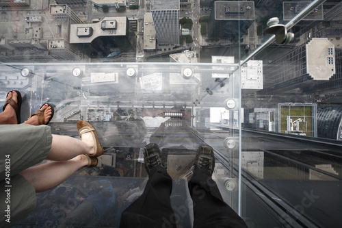 Looking down from the clear viewing platform of a Chicago skyscraper  building Fototapeta