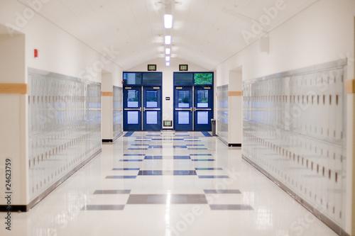 Fotografering High School Hallway
