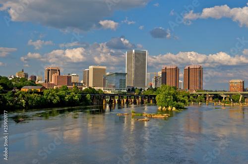 Stampa su Tela Cityscape of Richmond, Virginia over the James River.