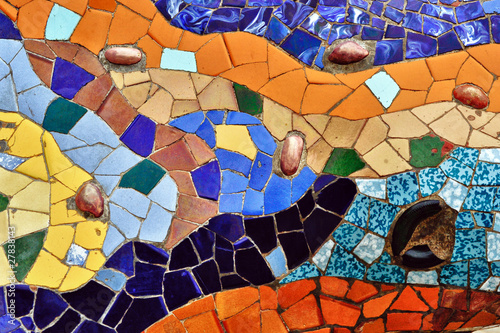 Detail of mosaic in Guell park in Barcelona Fototapet