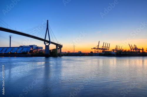 Fototapeta premium Köhlbrandbrücke w Hamburgu