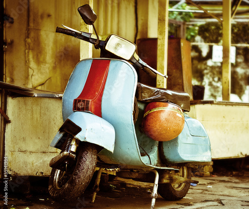 Canvas Print moped