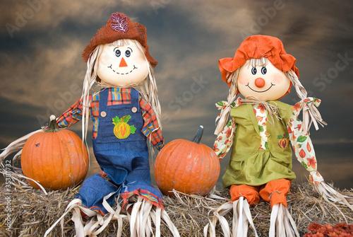 Obraz na płótnie autumn scarecrow couple