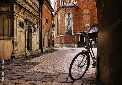 Fototapeta Kraków - okolice Rynku Głównego w czasie deszczu na ścianę