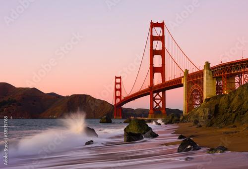 фотография Golden Gate Bridge in San Francisco at sunset