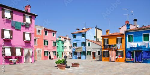 Stampa su Tela Mittagszeit auf  Burano in der Lagune von Venedig