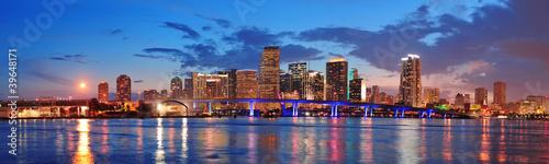 Fototapeta premium Scena nocy w Miami