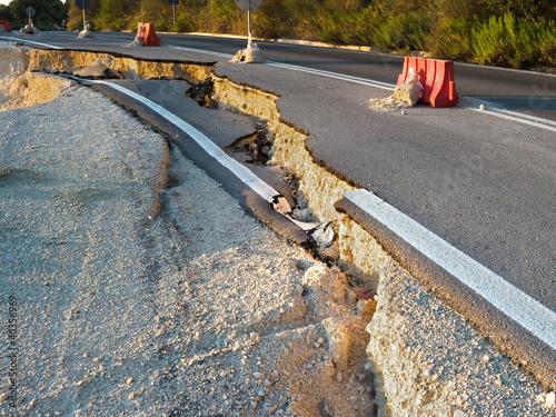 Broken Road Fototapeta