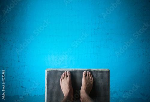 Fotografia feet on diving board