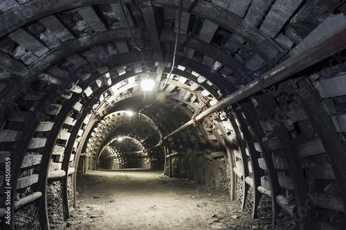 Fototapeta premium Podziemny tunel w kopalni węgla