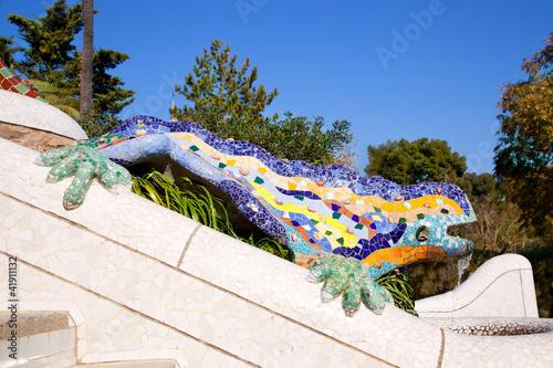 Obraz na plátně Dragon salamandra of gaudi  in park guell