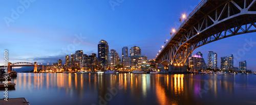 Fototapeta premium Granville Bridge i Downtown Vancouver
