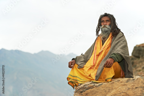 Valokuvatapetti Indian monk sadhu
