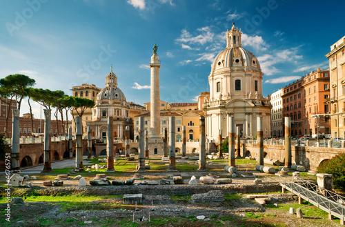 Trajan's Column in ancient forum, Rome, Italy Fototapeta