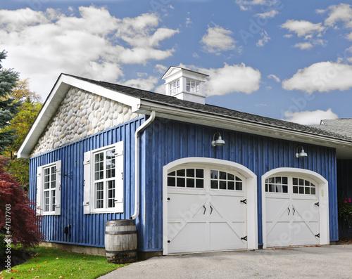 Obraz na plátně Two car garage