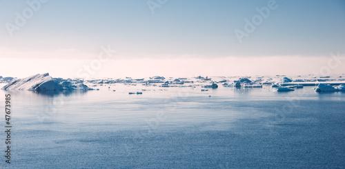 Cuadros en Lienzo Antarctic ocean on the sun
