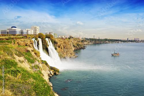Fototapeta premium Wodospady Düden w Antalyi