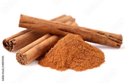 Valokuvatapetti Cinnamon in closeup