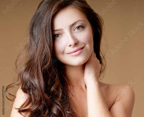 Canvas Print beautiful brunette with perfect hair