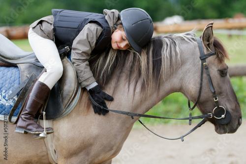 Equitation - belle équitation sur un cheval Poster Mural XXL
