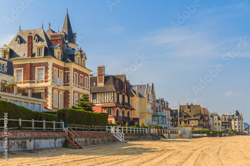 Stampa su Tela Trouville sur Mer beach promenade, Normandy, France