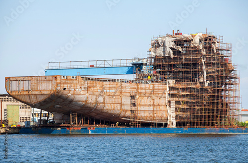 Canvas Print building a ship in the Port of Gdansk