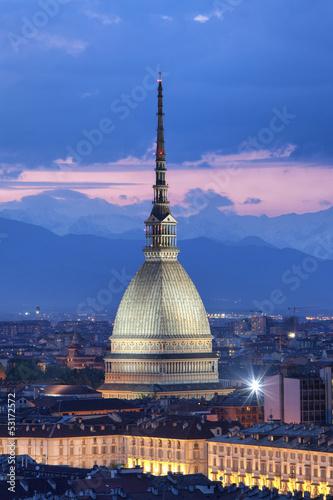 Fotografie, Obraz Mole Antonelliana di notte (verticale), Torino (Piemonte)