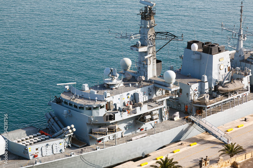 Stampa su Tela Type 23 frigate in the Malta Grand Harbor