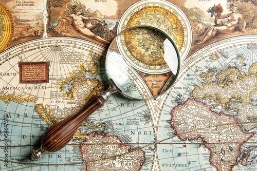 Valokuvatapetti Magnifying glass