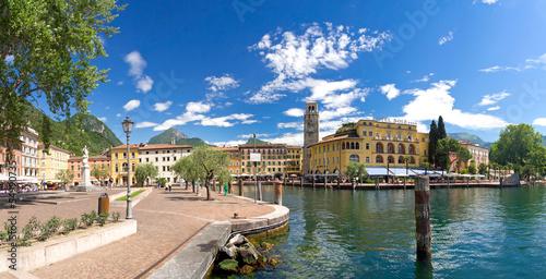 Fotografia Riva del Garda, Promenade, Gardasee, Glockenturm, Hafen, Italien