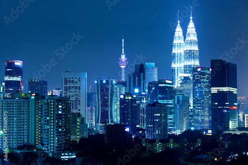 Fototapeta premium Panoramę Kuala Lumpur w nocy