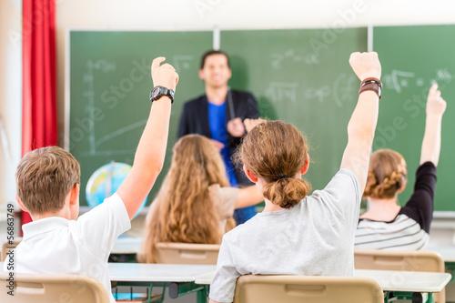 Tableau sur Toile Enseignant éduquer ou enseigner à une classe d'élèves à l'école