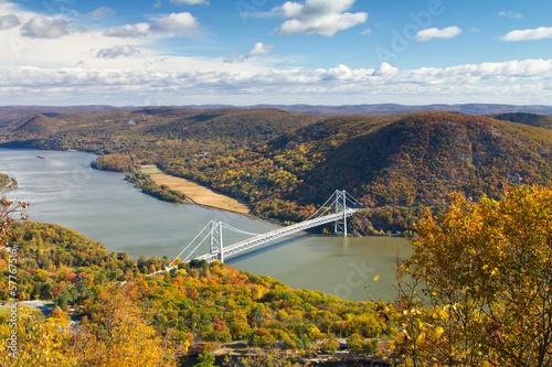 Fototapeta Bridge Over the Hudson River Valley in Fall
