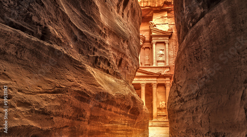 Photo Siq in Ancient City of Petra, Jordan
