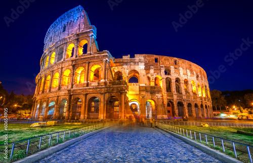 Murais de parede The Majestic Coliseum, Rome, Italy.