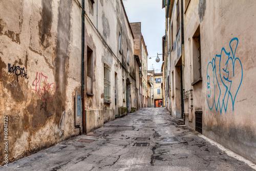 Murais de parede narrow alley in the old town
