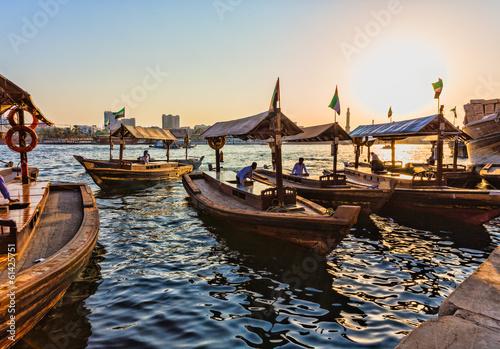 Photographie Bateaux sur la baie Creek à Dubaï, Émirats Arabes Unis
