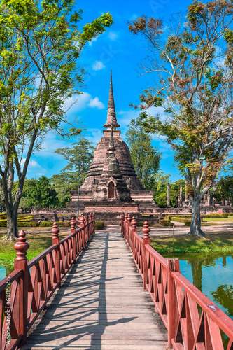 Obraz na płótnie Old chedi (Buddhist stupa) in Sukhothai, Thailand