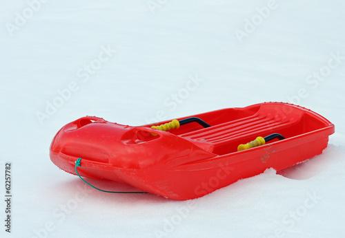 Fotografia bob made of robust plastic on snow and steel brake levers