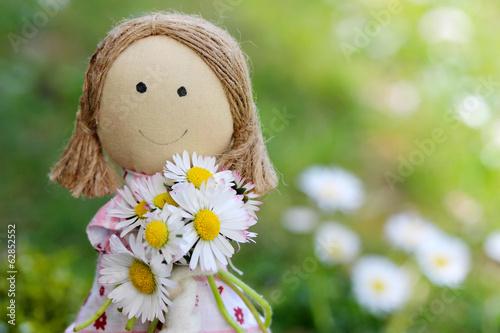 Tela Stoffpuppe mit Blumen zum Muttertag