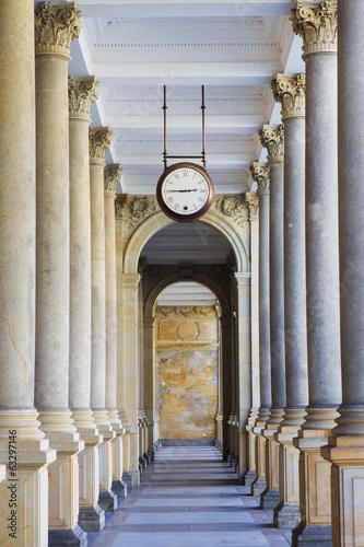 Obraz na płótnie Mill colonnade (Mlynska kolonada) in Karlovy Vary, Czech Republi