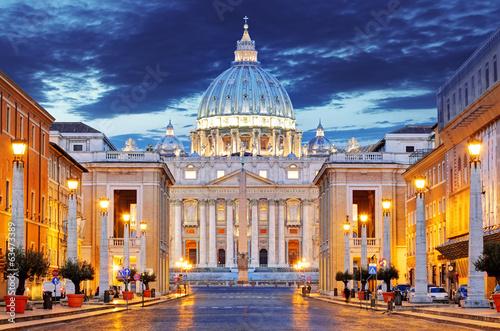 Fotografija The Papal Basilica of Saint Peter in the Vatican