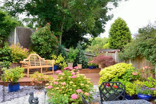 Fotografija Small pretty english garden