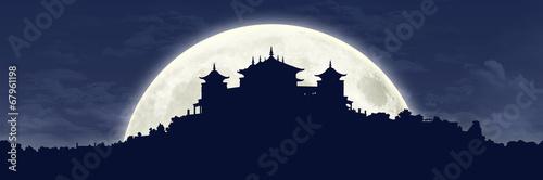 Photo tibetan monastery at full moon